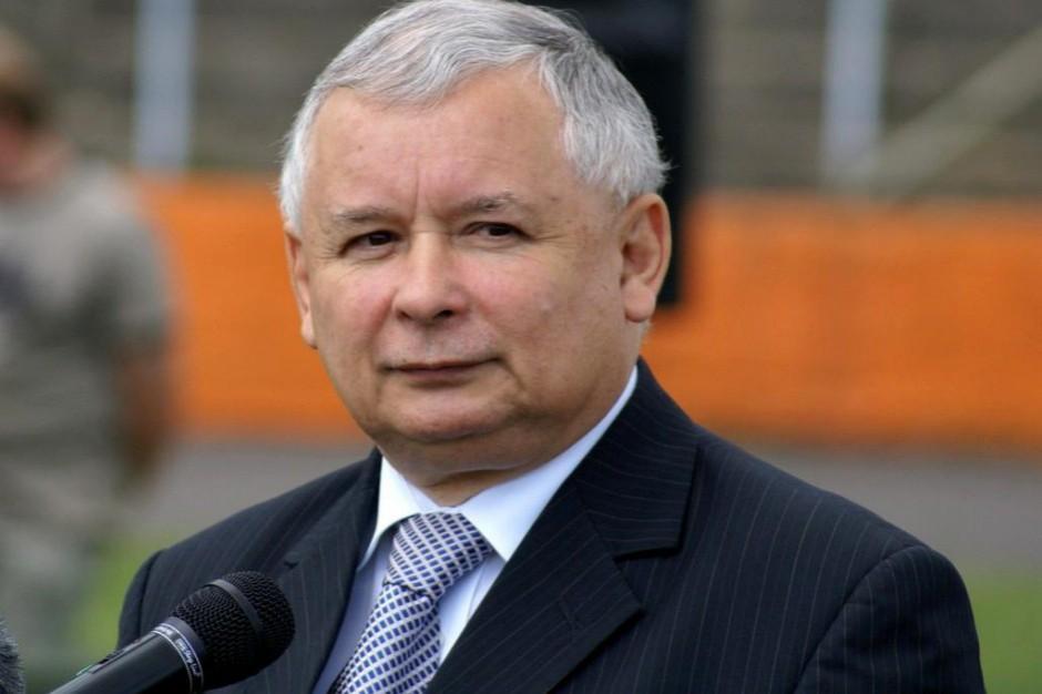 Kaczyński w PE: Niech futra przejdą do historii