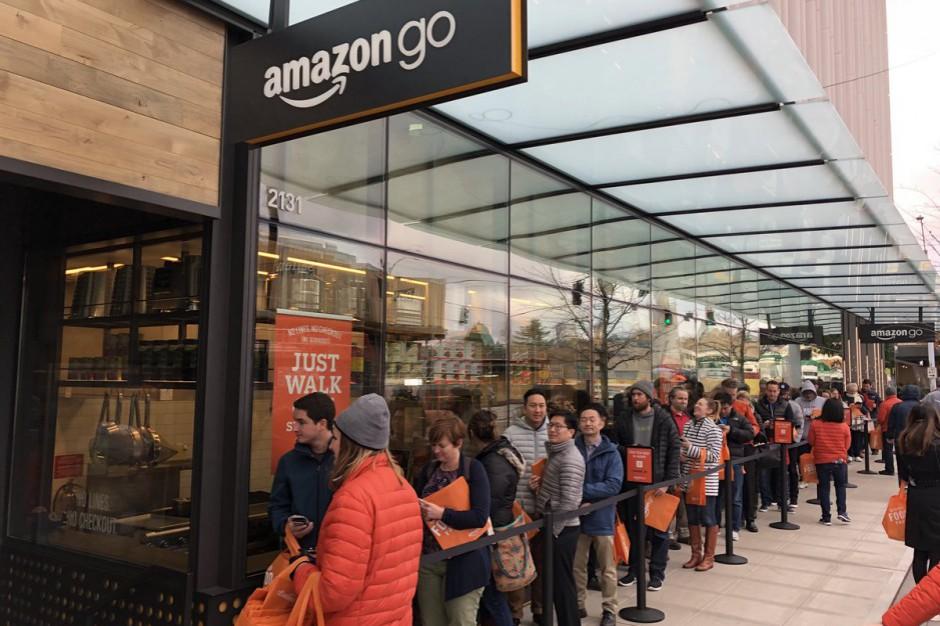 Amazon Go jednak z kolejkami