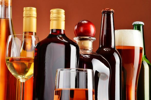 BIG InfoMonitor: Co dziesiąta firma z branży alkoholowej nie płaci na czas