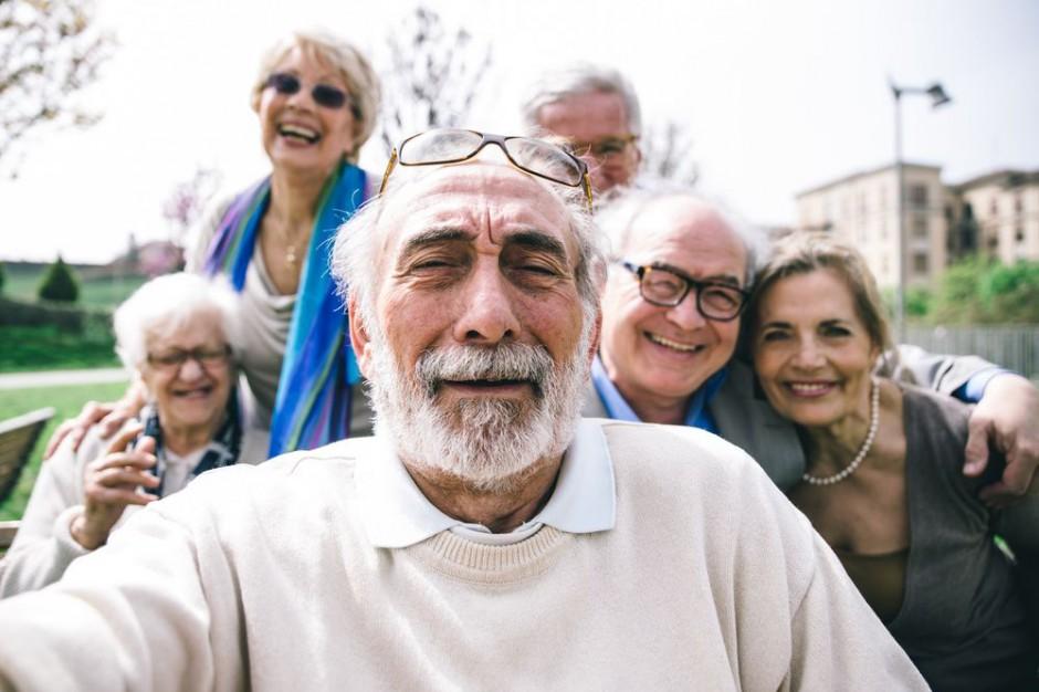 IŻŻ podpowiada seniorom jak zdrowo się odżywiać i żyć