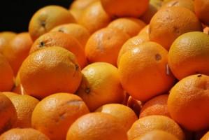 Światowe zbiory pomarańczy są niższe przez spadek produkcji soku pomarańczowego