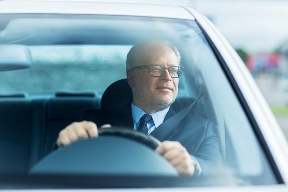 Rynek pracy: Blisko połowa Polaków chce dojeżdżać do pracy nie dalej niż 15 km