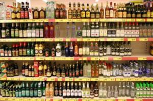 Im mniejszy sklep, tym większy udział napojów alkoholowych w obrotach