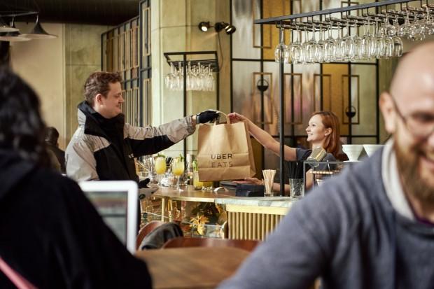 Uber Eats Polska przedstawia najpopularniejsze restauracje wg użytkowników aplikacji