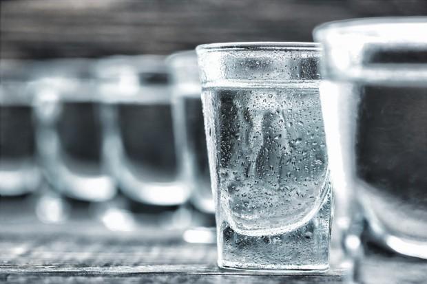 Biskupi: alkohol powinien być dostępny dla ludzi od 21. roku życia