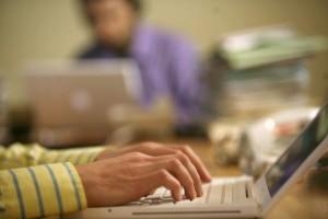 Hakerzy najczęściej atakują firmy przez e-mail