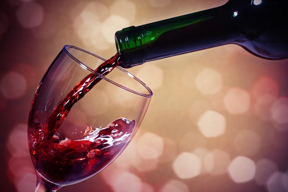 Naukowcy: Wino może być dobre dla zębów