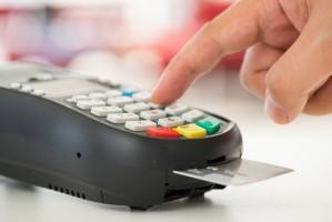 40 procent Polaków rezygnuje z zakupu jeśli nie może zapłacić kartą