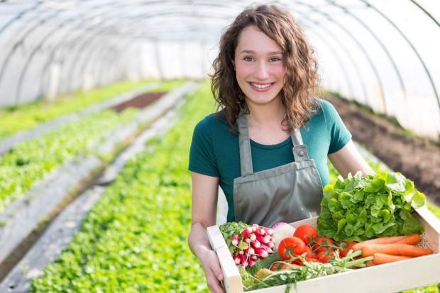 IMAS: Kobiety stanowią 30 proc. zarządzających polskimi gospodarstwami rolnymi