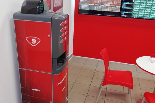 Automaty do kawy Ideal Cafe w zakładach bukmacherskich i na lodowisakch