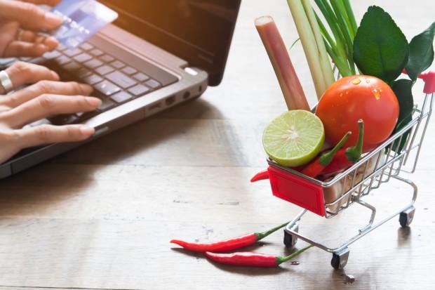Polskikoszyk.pl: Rośnie trend zamówień e-zakupów spożywczych na odległość