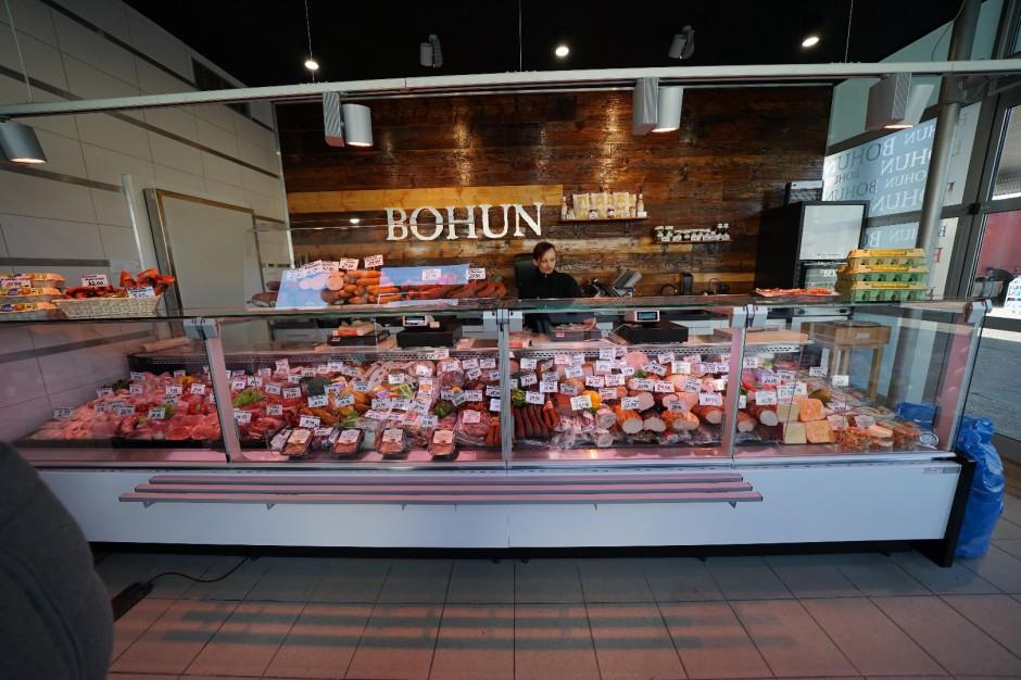 Firma Bohun testuje nowy koncept sklepu wędliniarskiego przy stacji paliw