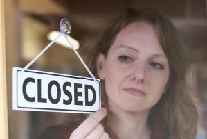 Zakaz handlu w niedzielę niewiadomą. Spółki liczą, że sprzedaż mocno nie ucierpi