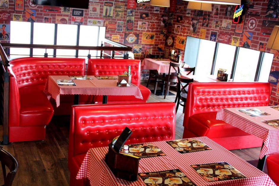 7 Street - Bar & Grill z nowymi daniami w ofercie wspólnie z Kikkoman i Tabasco