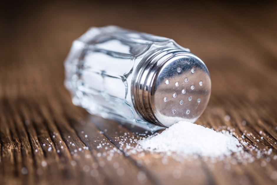 Eksperci: Polacy spożywają mniej soli, ale nadal zbyt dużo