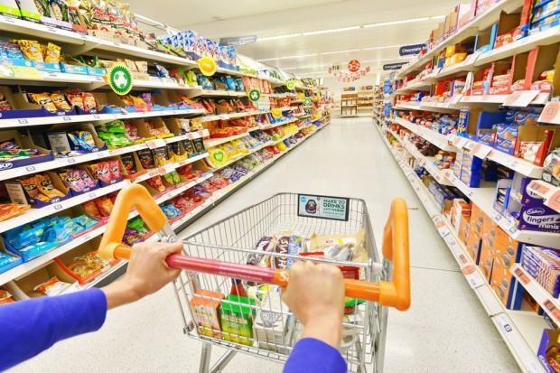 CMR zbadało sprzedaż w sklepach w tygodniach, w których wypadały Zielone Świątki
