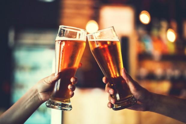 ZPP: Reklama piwa nie ma związku z nadużywaniem alkoholu