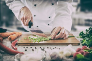 Rumunia: Kucharz usiłuje dowieść władzom, że...żyje