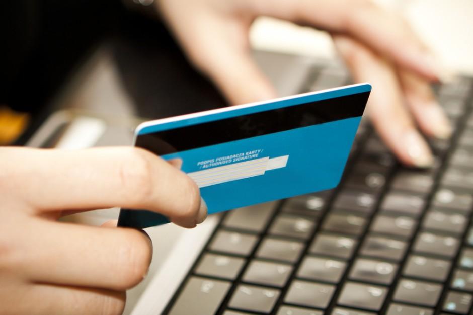 Shoper: W niedziele bez handlu e-sklepy notują większy ruch