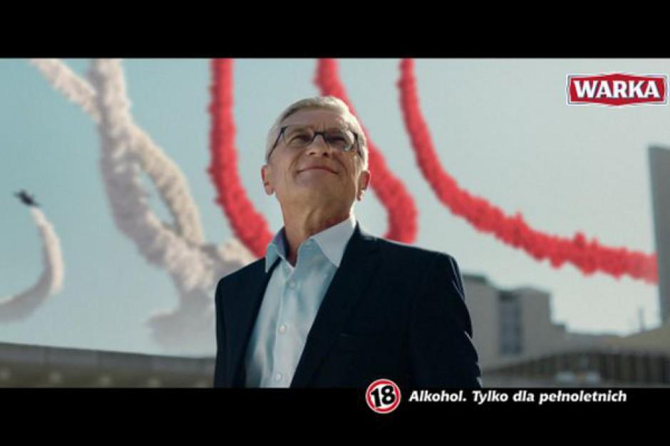 Adam Nawałka i biało-czerwona Planeta Warka w nowym spocie marki