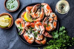 Credit Agricole: Polacy coraz chętniej sięgają po żywność luksusową i organiczną
