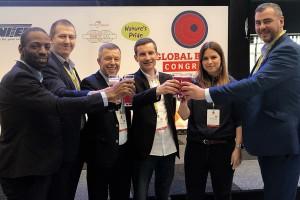 Polish Berry Cooperative promuje borówkę i borówkowe piwo Browaru Stu Mostów w Rotterdamie