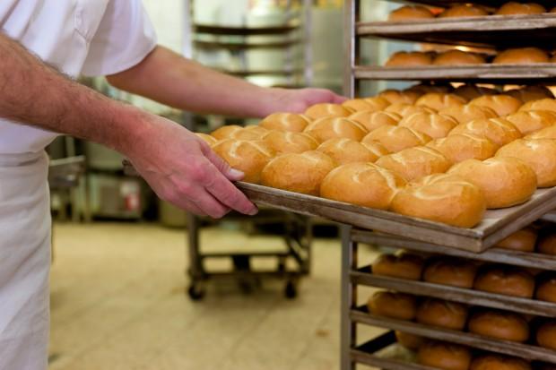 Zakaz handlu w niedziele uderza w branżę piekarniczą. Rzemieślnicy piszą list do minister Rafalskiej