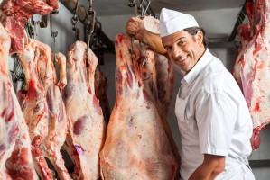 Włochy: W Neapolu wprowadzono zakaz wystawiania martwych zwierząt u rzeźnika