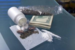 CBŚP: kolejne zatrzymania podejrzanych o handel narkotykami i dopalaczami
