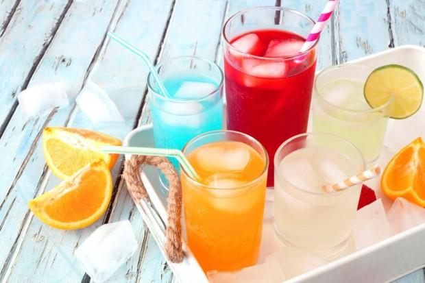 Okres Wielkanocny to czas wzrostu sprzedaży soków, nektarów i napojów