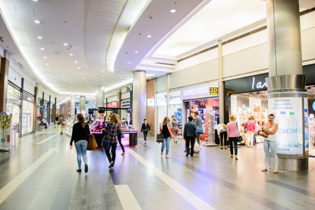 W lutym klienci chętnie odwiedzali galerie handlowe