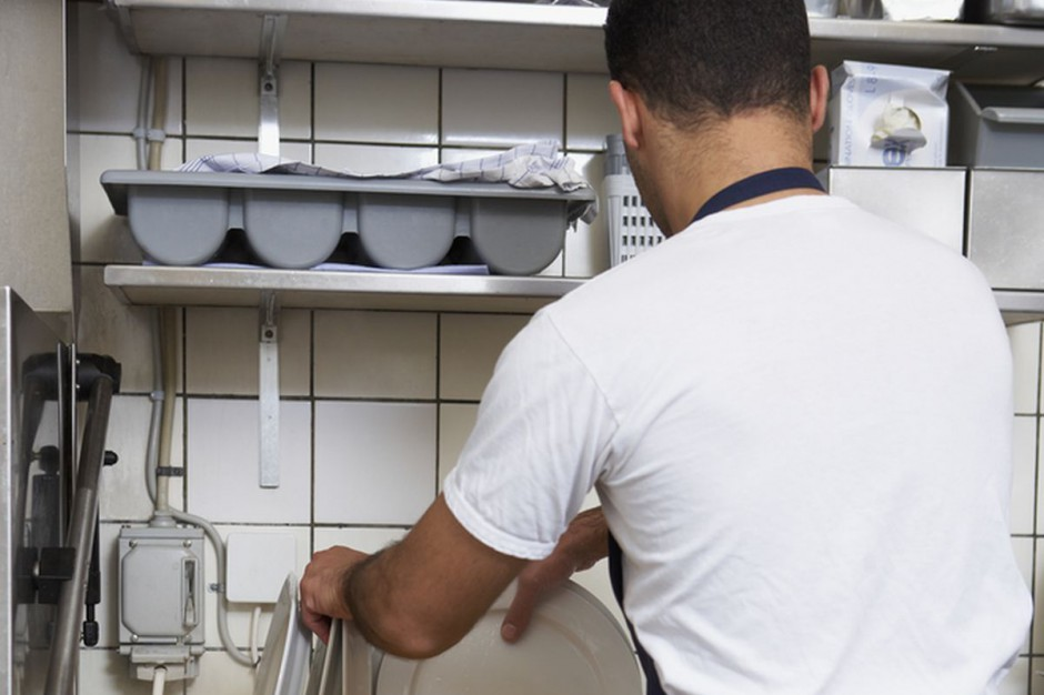 Niewolnicza praca w 10 warszawskich lokalach gastronomicznych