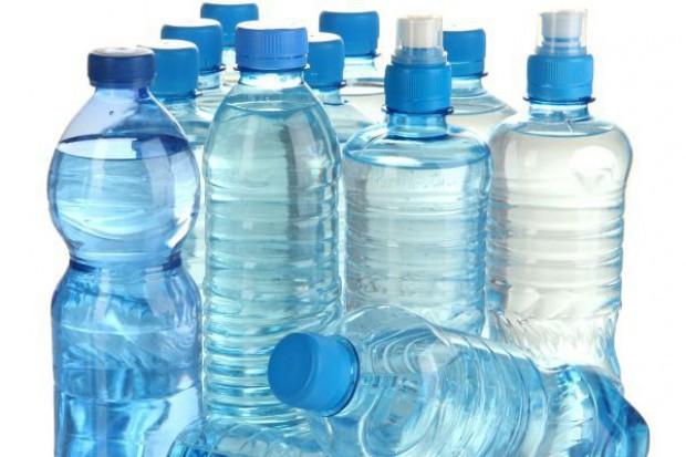 """IH: Producenci """"wód smakowych"""" umieszczają mylące informacje na etykietach"""