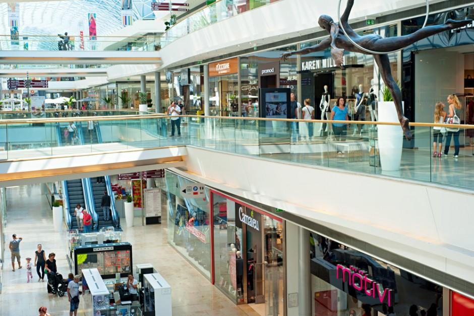 PRCH: Gastronomia i małe punkty sprzedaży w galeriach handlowych mają mniej klientów w niedziele