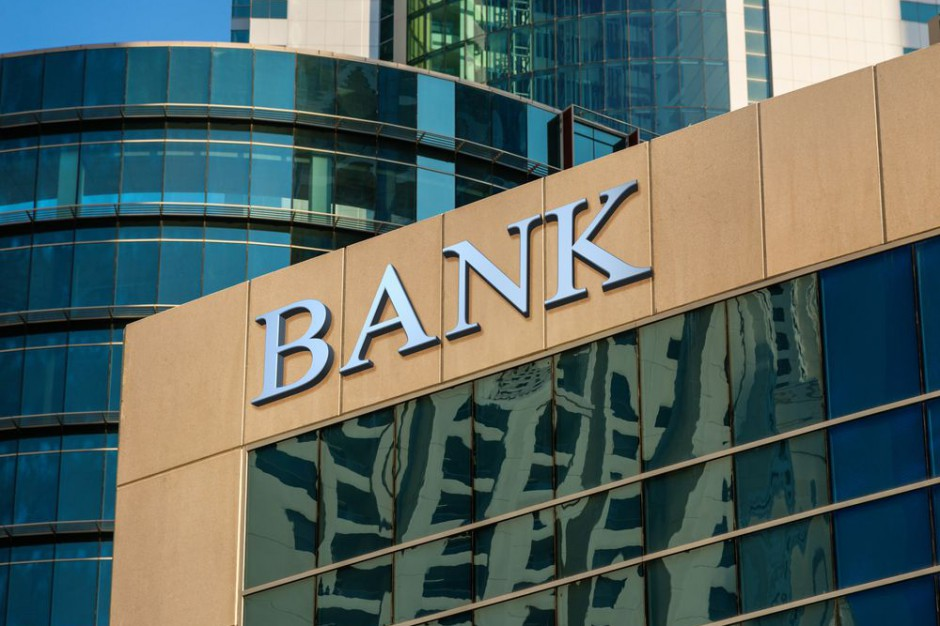 Bank BGŻ BNP Paribas przejmie część działalności Raiffeisen BP za 3,25 mld zł