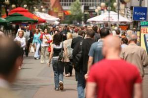 CBOS: 53 proc. badanych uważa, że żyją na przeciętnym poziomie