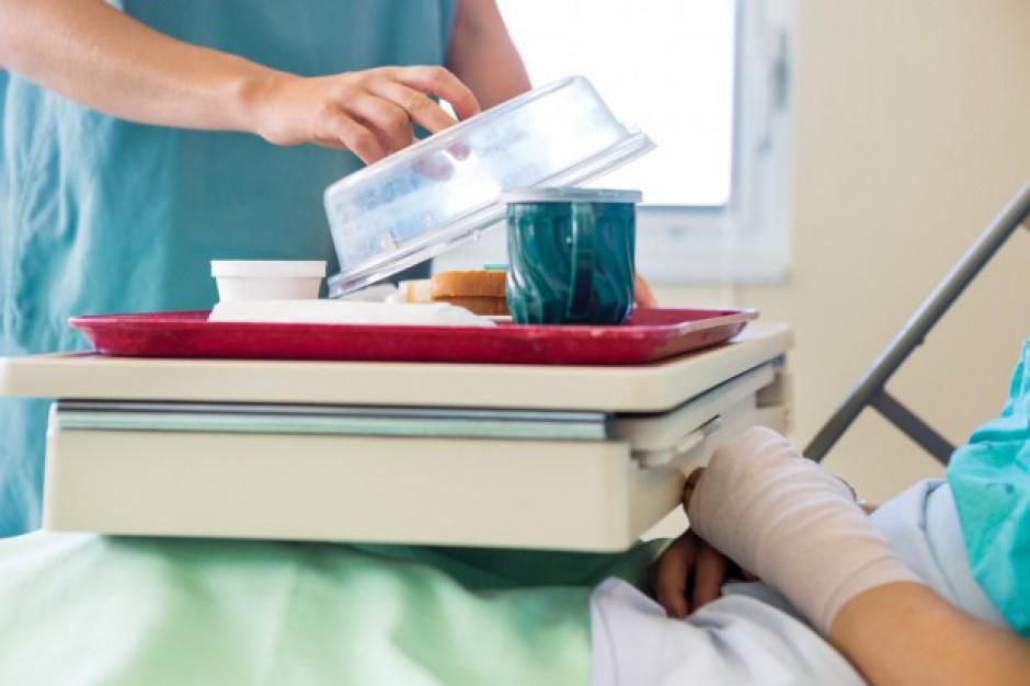 NIK o żywieniu w szpitalach: niskiej jakości, niezbilansowane