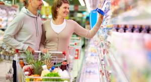 Badanie: Dla 66 proc. Polaków karty lojalnościowe w sklepach to za mało