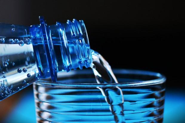 Cisowianka: 3 trendy wpływające na rozwój rynku wód butelkowanych