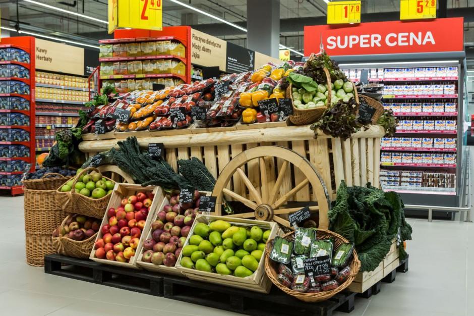 Carrefour wdraża transformację żywieniową. Podpisał 7 kontraktów z polskimi rolnikami