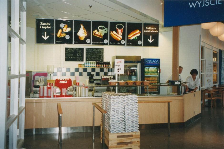 IKEA: W 1998 r. hot-dogi kosztowały więcej niż dziś. Co jeszcze się zmieniło?