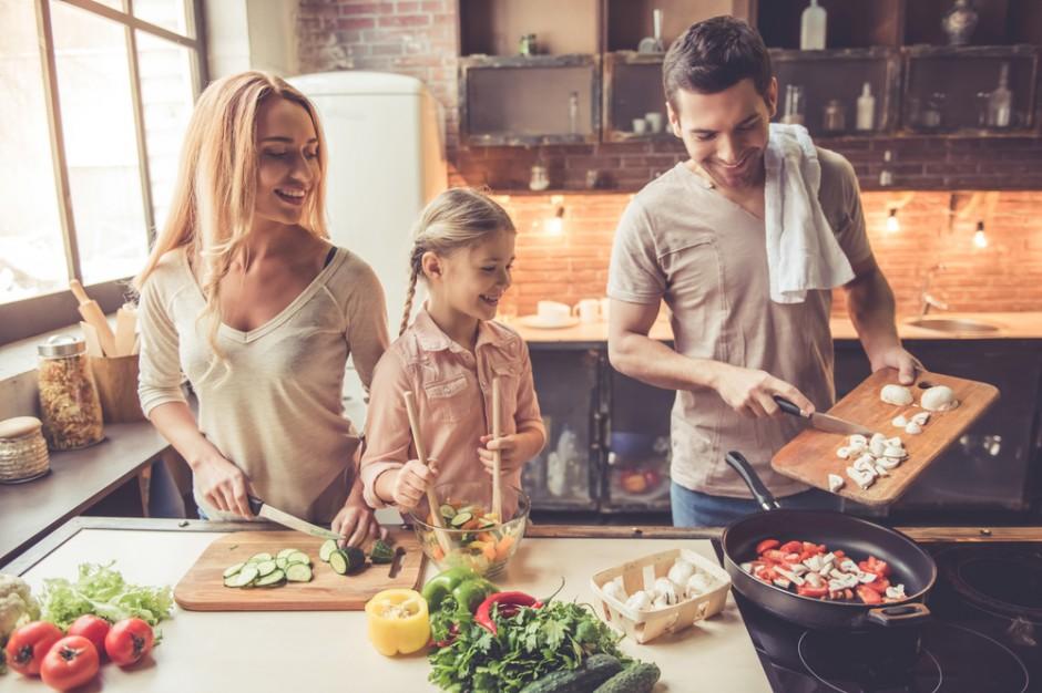 80% Polaków uważa, że wspólne gotowanie zacieśnia więzi