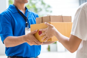 E-handel wymusi szybsze dostarczanie przesyłek