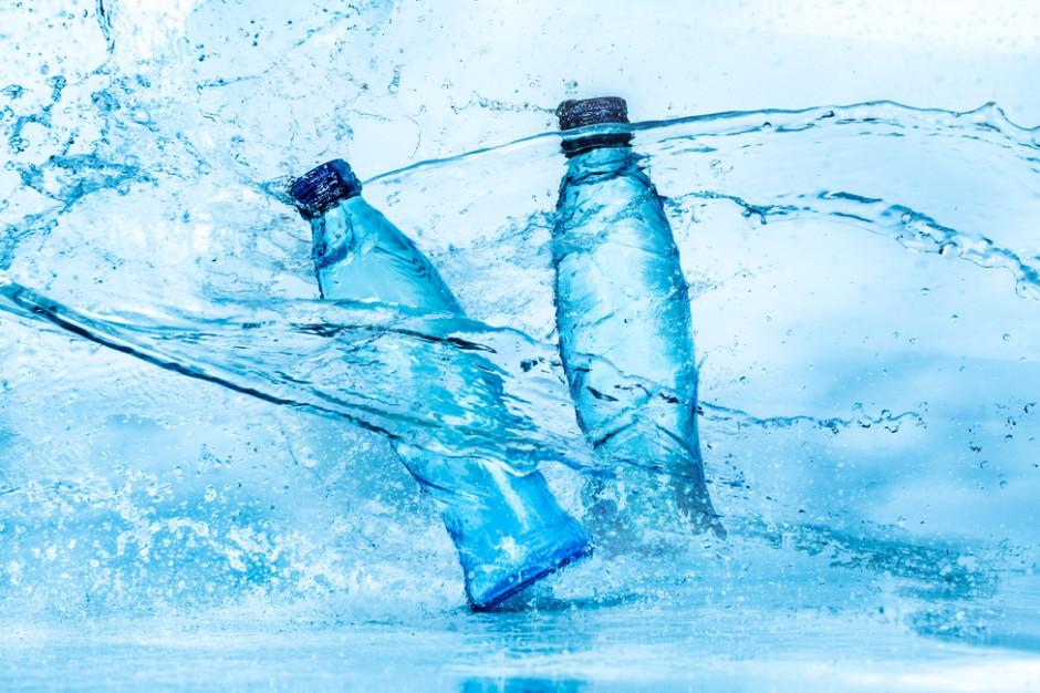 Trendy na rynku żywności i napojów sprzyjają wodom butelkowanych. Rośnie optymizm graczy