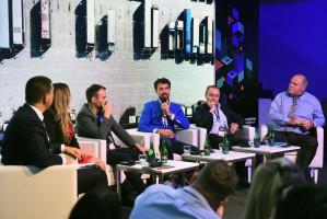 """EEC 2018: """"VR/AR – świat w nowych realiach"""" - relacja z panelu"""