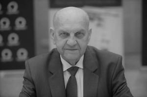 Odszedł prof. dr hab. Eberhard Makosz