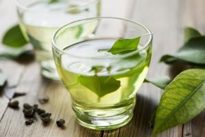 Naukowcy: Składnik zielonej herbaty może zapobiegać zawałom i udarom