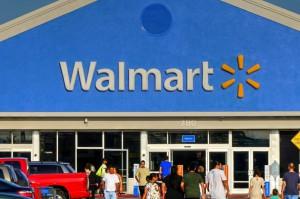 Walmart sfinansuje studia współpracowników?