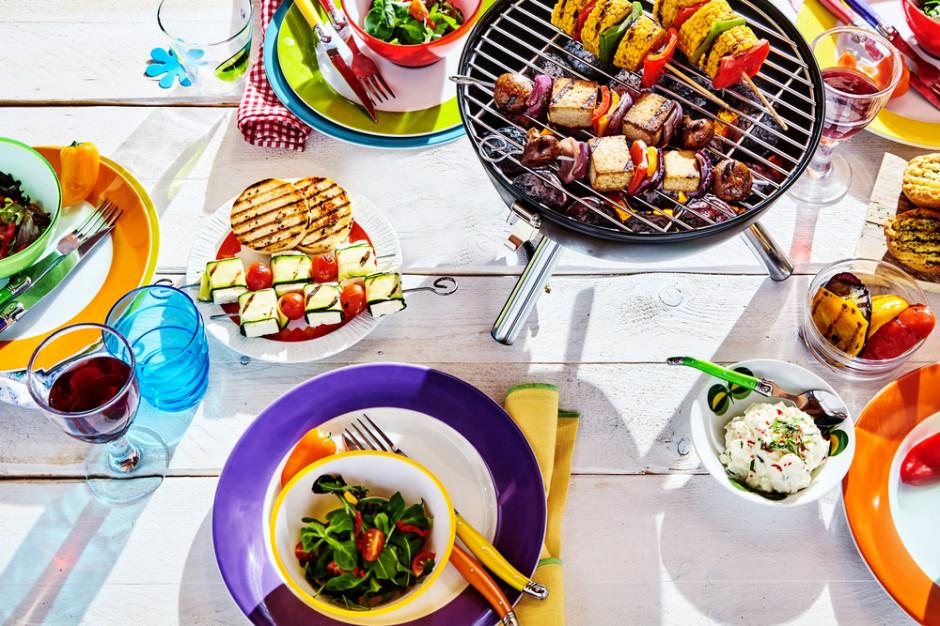 4 trendy na rynku żywności i napojów, które będą dominować latem - raport Mintela