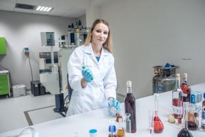 Zdjęcie numer 1 - galeria: Łódź: Powstało pierwsze w Polsce laboratorium autentykacji win (zdjęcia)